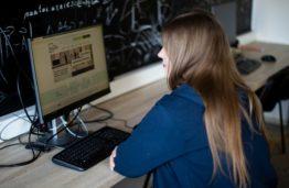 KTU muziejus kviečia į virtualią parodą, skirtą prof. Vydos Kęsgailaitės Ragulskienės 90-mečiui