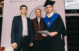 KTU Informatikos fakulteto absolventams įteikti ne tik diplomai, bet ir mecenatų stipendijos bei prizai