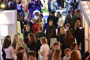 """Didžiausios Baltijos šalyse KTU """"WANTed"""" karjeros dienos sulaukė 9 tūkst. lankytojų"""