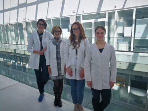 Iš kairės į dešinę - dr. Neringa Kleizienė, dr. Greta Ragaitė, stud. Urtė Šachlevičiūtė, stud. Aistė Kveselytė
