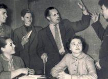 Režisierius P. Likša dramos būrelio repeticijoje