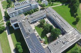 KTU ir toliau renkasi atsinaujinančią energiją: keturiems pastatams – saulės elektrinės, bus investuota 1,7 mln. eurų
