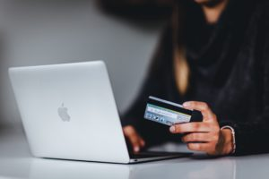 KTU ekspertai: per karantiną verslas kėlėsi į internetą, tačiau kaip sukurti sėkmingą el. parduotuvę?