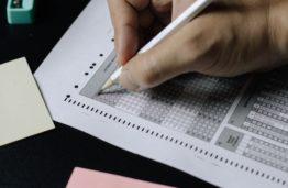 Valstybinis fizikos brandos egzaminas: KTU MGMF kviečia pasitikrinti atsakymus ir sprendimus